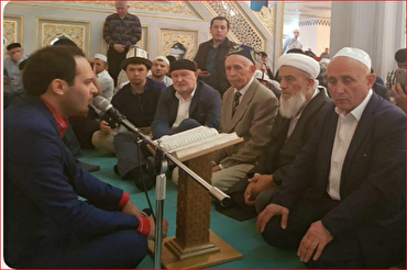 Qari iraniano recita il Corano in Russia + VIDEO